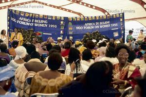 IV Conferência Mundial sobre a Mulher, fórum de ONGs. Tenda da África