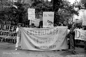 Manifestação contra Revista Íntima