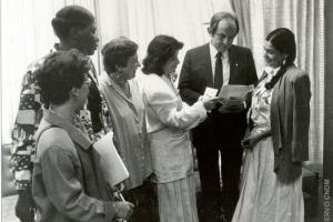 Deputado Bernardo Cabral com Deputadas Constituintes