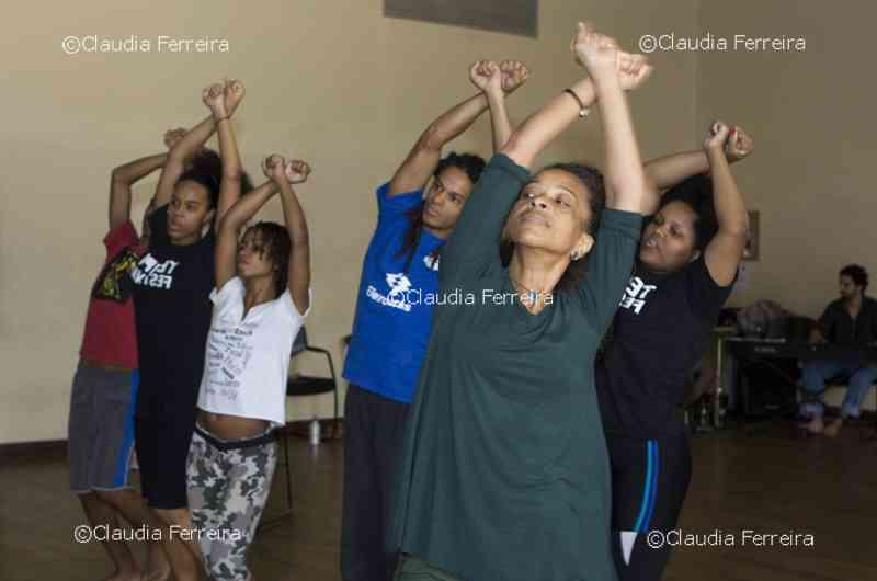 Carmen Luz e Grupo Favela Força